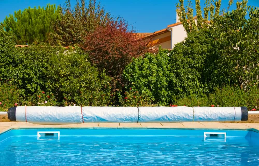 Here\'s How To Choose The Best Pool Cover Pump (2019 Guide)