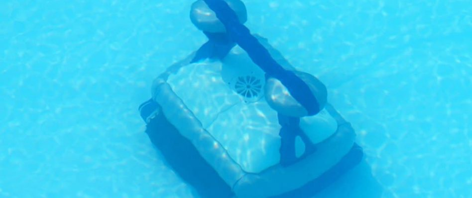 What S The Best Robotic Pool Cleaner Guide Reviews