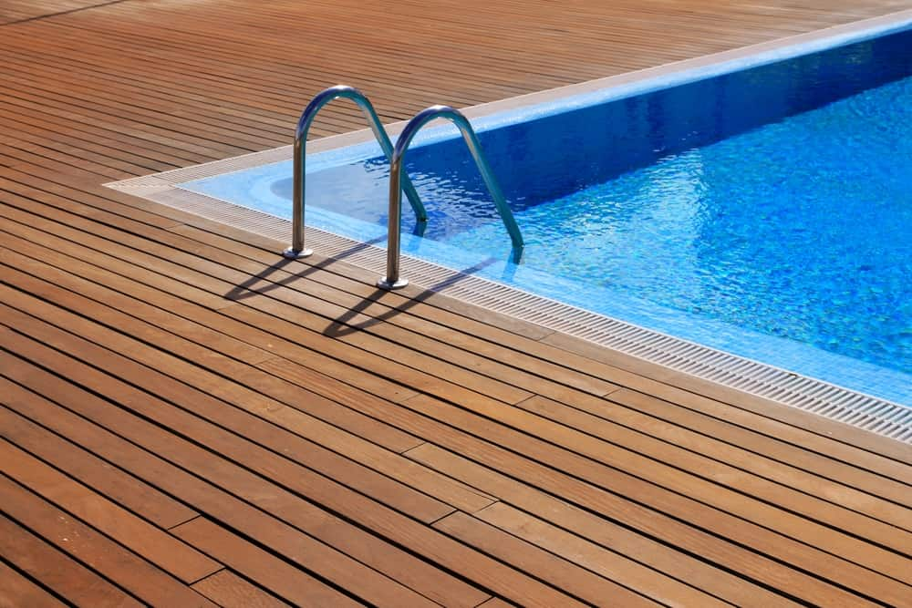 The 10 Best Pool Deck Paints 2021 Reviews Pool Care Guy